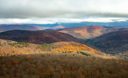 Panoramic view of Catskills mountains at fall from above Zdjęcie Seryjne