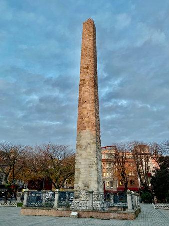 ISTANBUL, Turkey - 12-20-2020: Walled Obelisk historic landmark at hippodrome city center Banco de Imagens - 161762452