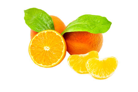 Group of whole cute and sliced mandarines with green leafs on white background close up Standard-Bild