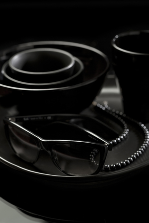 perls: All black objects on black background