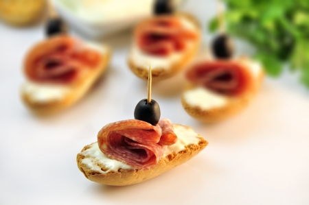 croutons with sliced   8203;  8203;salami cheese and olives Stock Photo - 17697973