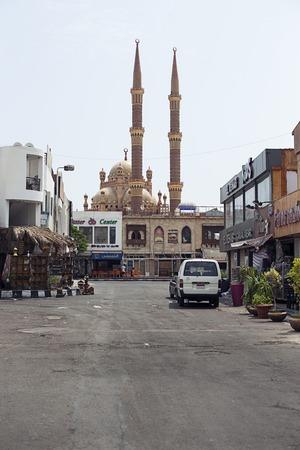 naama bay: Egypt Naama Bay - august 2016: Building of temple on bazaar