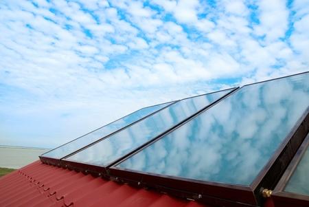 cobradores: Sistema solar en el tejado de la Casa Roja