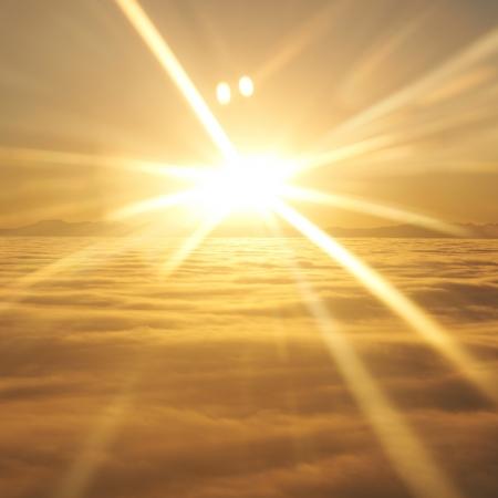 sonne: Amazing view from plane auf dem orangefarbenen Himmel, Sonnenuntergang, Sonne und Wolken