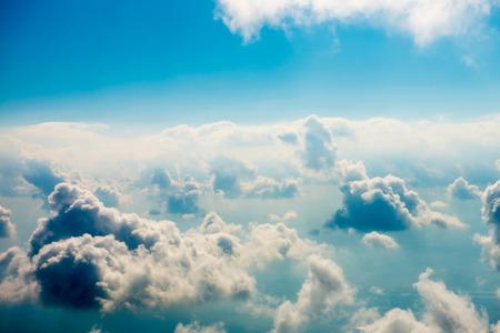 Blauwe wolken en lucht. Stockfoto