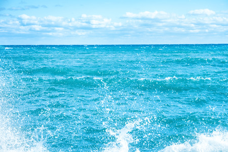granola: Big wave on the blue sea. Surf and foam Foto de archivo