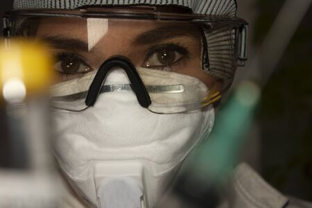 Medical body woman equipped with googles mouth covers and gloves for patient management covid-19 Reklamní fotografie