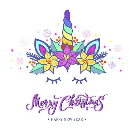 Merry Christmas card met hand getrokken belettering, Unicorn Tiara met regenbooghoorn en kerstster bloem Poinsettia. Vector illustratie geïsoleerd op een witte achtergrond. Briefkaart, uitnodigingsmotief.