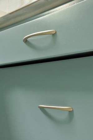 Blaue Hölzerne Schrank Mit Schubladen In Der Küche Zimmer Standard Bild    35265265