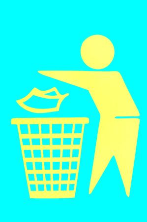 botar basura: No hay señales de tirar basura papelera Foto de archivo