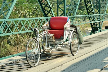 rikscha: Traditionelle alten Rikscha Threewheeler