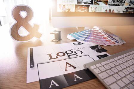 Logo design. Creative concept for website and mobile banner Foto de archivo - 147720804