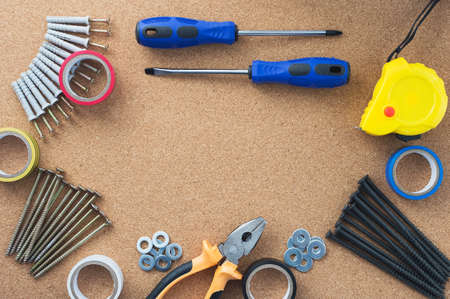 Men's work. The repair tools are on the table. The concept of housework, workshop. Close-up. Banque d'images
