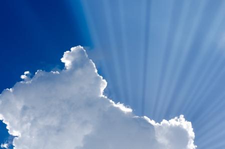 welling: Sunlight leaking from cloud in blue sky
