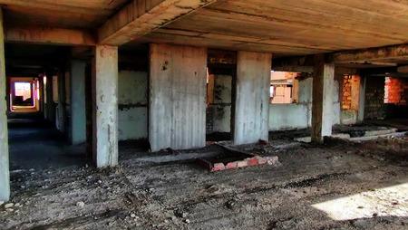 destitution: ruins