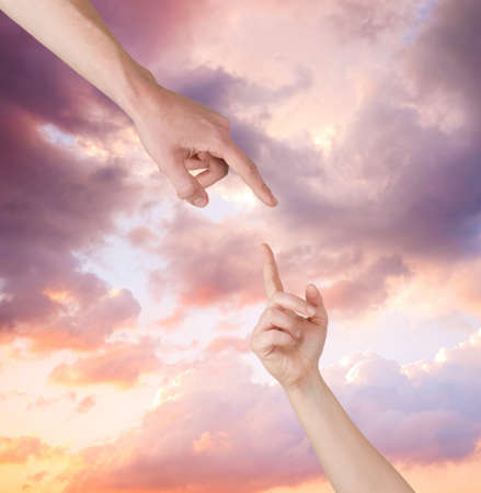 to forgive: mano de ayuda de los cielos Foto de archivo