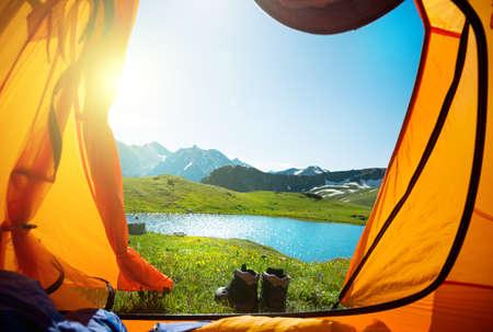 캠핑과 산에서 하이킹