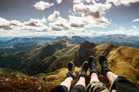 山でのハイキング