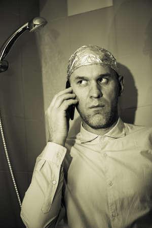 paranoia: uomo con paranoia Archivio Fotografico
