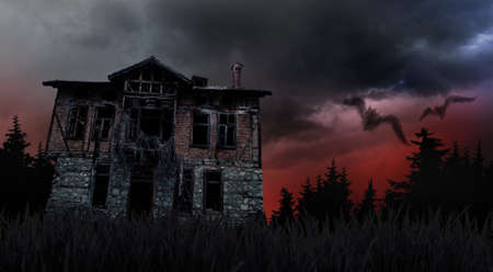 slecht weer en griezelig, spookachtig oud huis