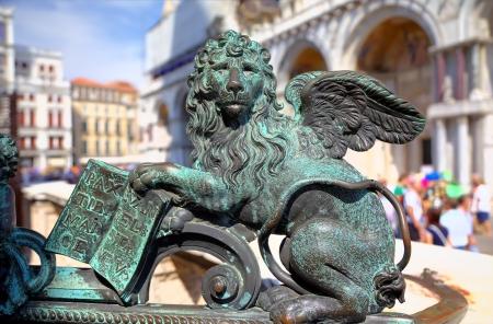 leon alado: Winged Lion - el s�mbolo de Venecia, Italia