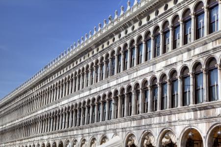 vecchie: Procuratie Vecchie on Piazza San Marco  St Mark s Square  in Venice, Italy