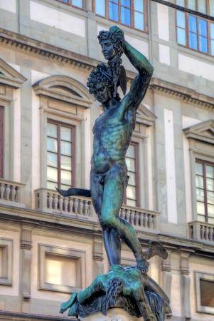 slaying: Statue of Perseus slaying Medusa - Loggia del Lanzi  Piazza della Signoria, Firenze, Italia
