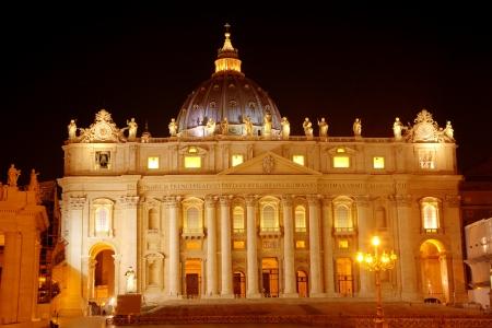 Night view of Saint Peters Basilica  Roma  Rome , Italy Stock Photo - 16999428