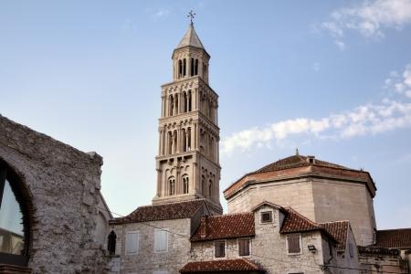鐘塔の St デゥエ大聖堂スプリト、クロアチア