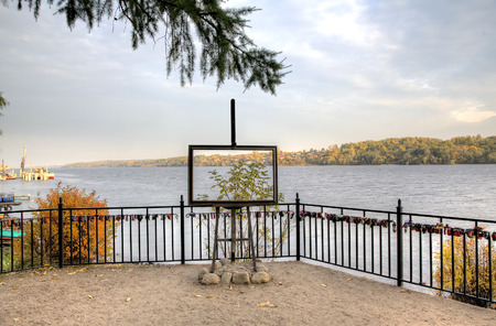 provincial tourist area: Sculptural composition on the bank of Volga Dachnitsa (Summer resident) (2010): Easel with the Volga landscape. Ples, Golden Ring of Russia