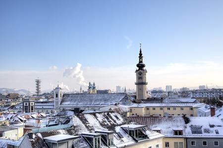 リンツ城からリンツの街並み。リンツ、オーストリア 写真素材