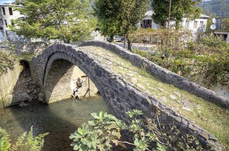 アーチ橋の女王タマラ。アジャリア (ジョージア州)。 写真素材