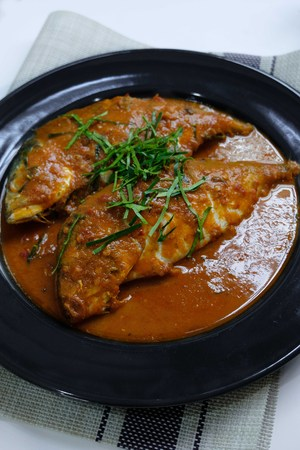 Thai Choo Chee with Mackerel in dried red curry
