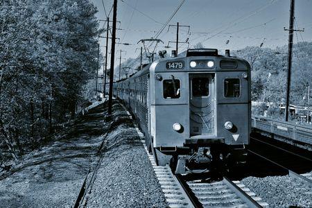 白と黒のトラックを列車します。 写真素材