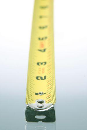 垂直方向のテープ メジャー