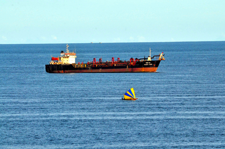 A Dredger is conmmencing its work in Visakhapatnam sea coast.
