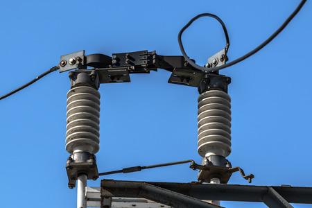 electric current: high-voltage insulators electric current