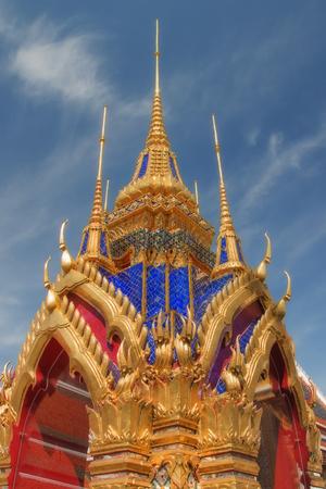 Buddhist temple in Bangkok Foto de archivo - 94696213