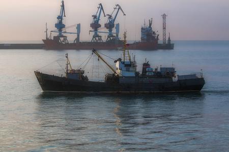 fishing trawler Foto de archivo - 94976773