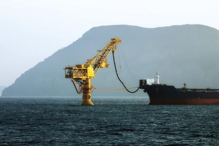 oil tanker filled with crude oil in the far East of Russia Foto de archivo - 94691954