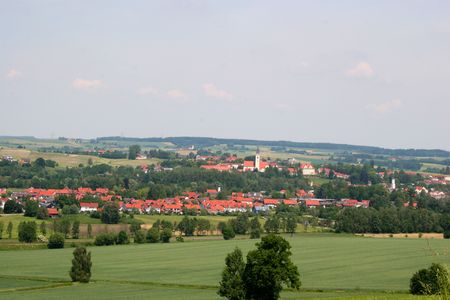 horison: landscape view of a village in bavaria