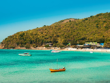 Beach island Ko Lan. Thailand.Island for rest and relaxation, not far from Pattaya. Banco de Imagens