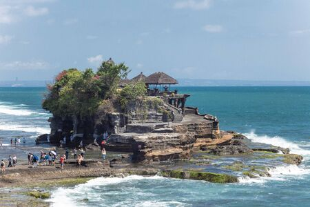 11-10-2018, templo de Tanah lot, isla de Bali.