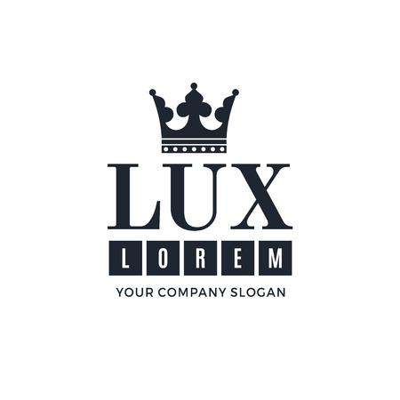 luxo: logotipo azul escuro sobre um fundo branco com uma imagem da silhueta da coroa e as palavras Lux. Ele simboliza a mais alta qualidade, força, indestrutibilidade. Ilustração vetor Ilustração