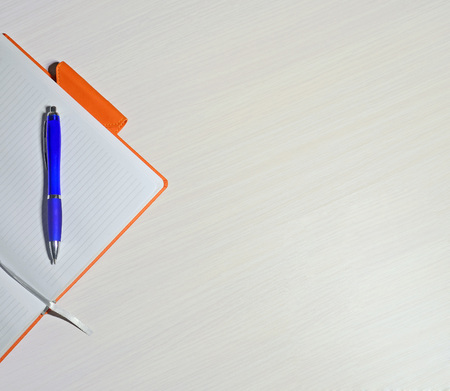 offiice: Offiice notes with a pen on a table Stock Photo