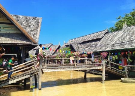 floating market: Pattaya floating market Thailand
