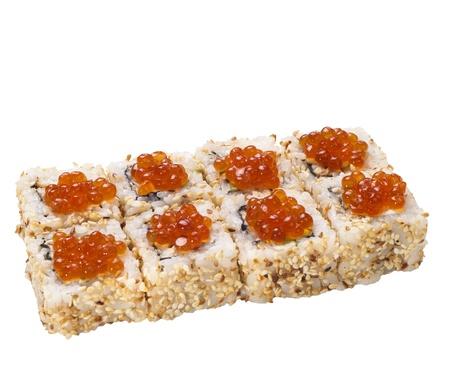 manjar: rollo de sushi aislada en blanco con caviar