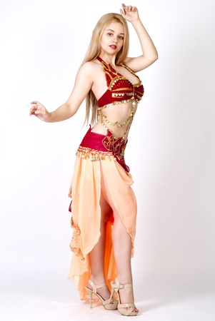 bellydance: beautiful young blonde - Arab Dancer, in great costume