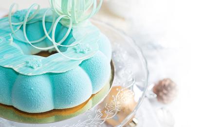Fresh mousse cake, turquoise fashion cake
