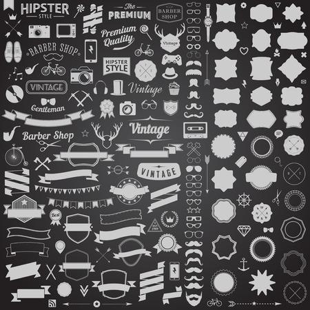 Enorme set di icone in stile d'epoca di design a vita bassa. Segni e modelli vettoriali simboli per il vostro design.The più grande serie di biciclette, telefono, gadget, occhiali da sole, baffi, ancora, nastri e altre cose. Archivio Fotografico - 33629242